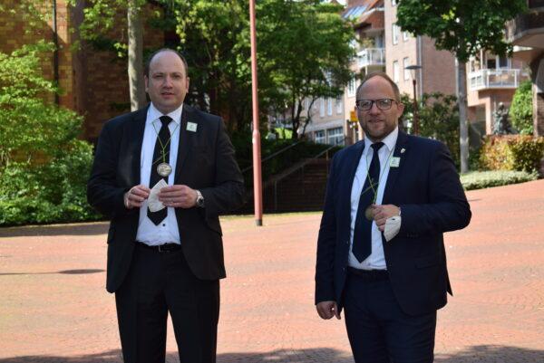 Bürgermeister Roger Nießen mit dem designierten Beigeordneten René Strotkötter