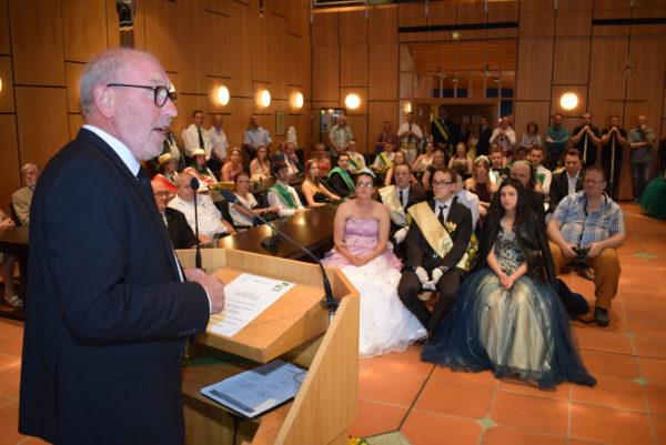 Bürgermeister Arno Nelles begrüßte die Spielspitzen im Rathaus